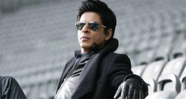 Outrageous - SRK fined just Rs 100 for smoking in stadium!