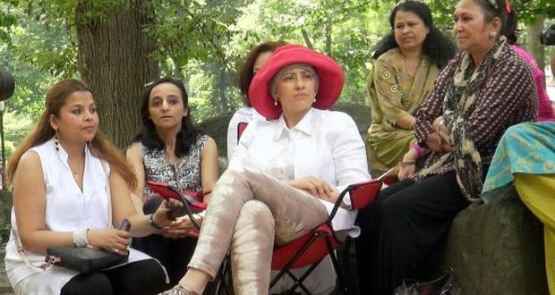 Manisha Koirala makes cheerful appearance in New York