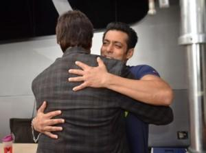 Salman Khan recovering from his nerve problem: Amitabh Bachchan