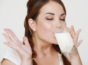 Can drinking skimmed milk lead to obesity?