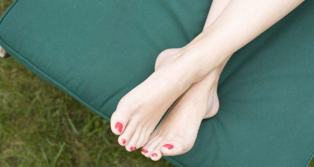 An Instant Home Remedy To Banish Cracked Heels For Good
