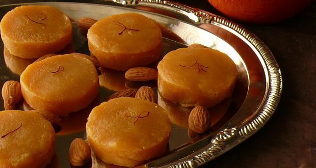 Holi recipe sugar free kesari malai peda by chef sanjeev kapoor kesar malai peda forumfinder Images