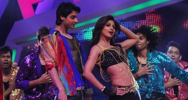Shilpa Shetty performing at Nach Baliye
