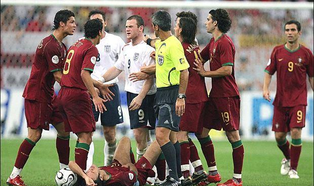 Ronaldo gets Rooney sent off