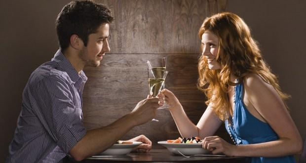 10 things a guy should NEVER do on a first date