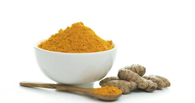 Get glowing skin with turmeric or haldi face masks