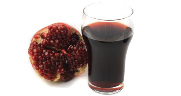 Eat pomegranate to relieve urinary tract infections naturally
