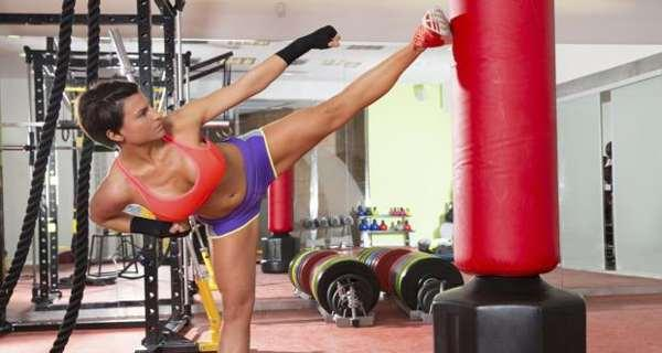 Weight Loss Tip #68 – Try kickboxing to burn fat and tone ...