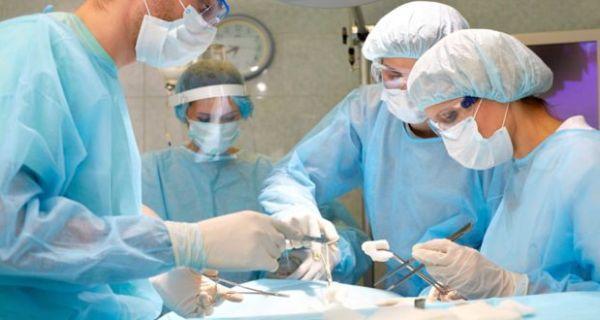 Brazilian TV host Andressa Urach hospitalised after cosmetic surgery