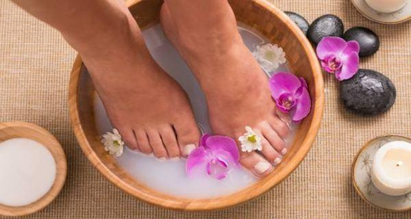Relaxing foot soak