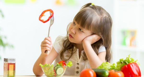 4 things you are doing wrong while feeding your fussy eater