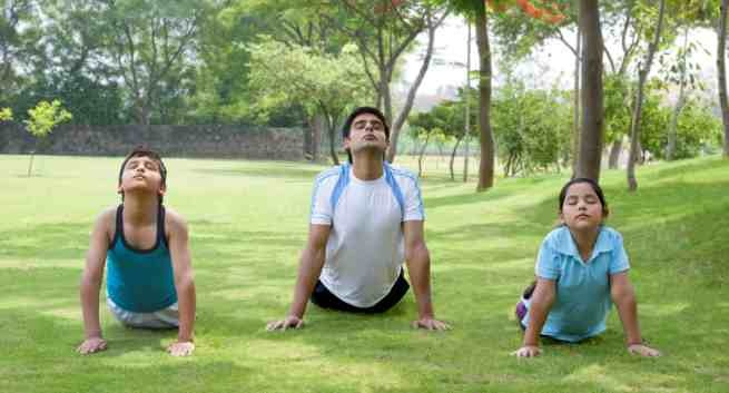 Fitness yoga poses your kids will love THS