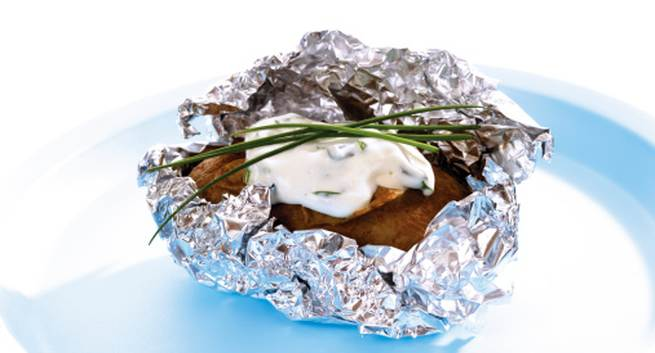 Is it safe to use aluminium foil for packing food? - Read ...