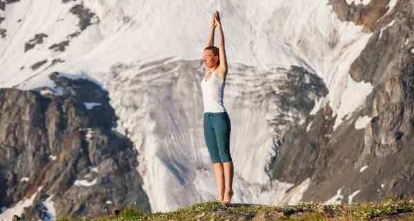 Tadasana yoga poses to improve blood circulation