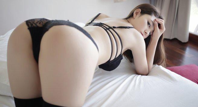Do girls get horny and masturbate