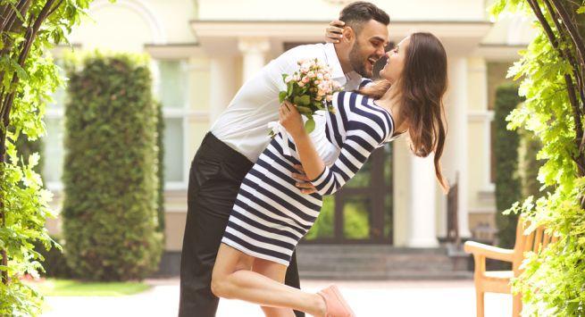 Ideas for wedding anniversary celebration Hindi