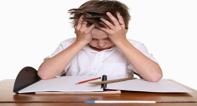 क्या आपका बच्चा स्कूल जाने से डरता है? ऐसे करें उसकी मदद