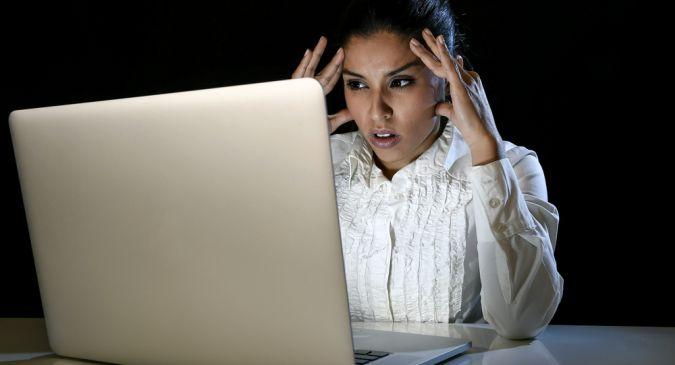 ऑनलाइन ट्रोलिंग और रेप की धमकियों पर लगाम कब कसेगी?