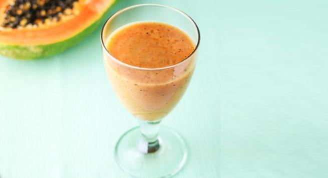 Papaya and banana smoothie for jaundice