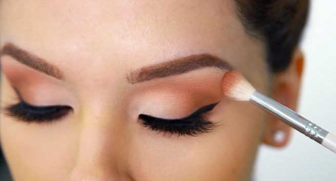 eye makeup in hindi
