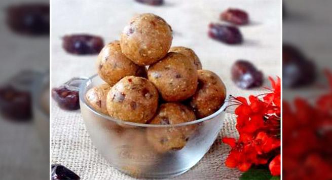 Date and Peanut Ladoo Hindi