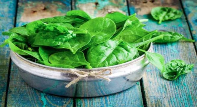 Saag health benefits in winter 3