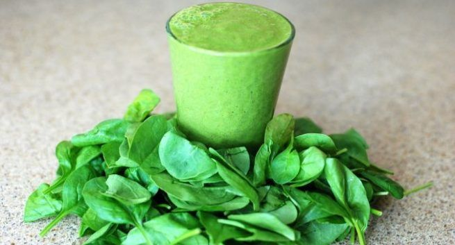 Pineapple-and-Spinach-Smoothie