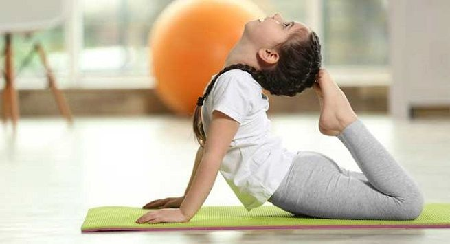 Kids yoga pose main image
