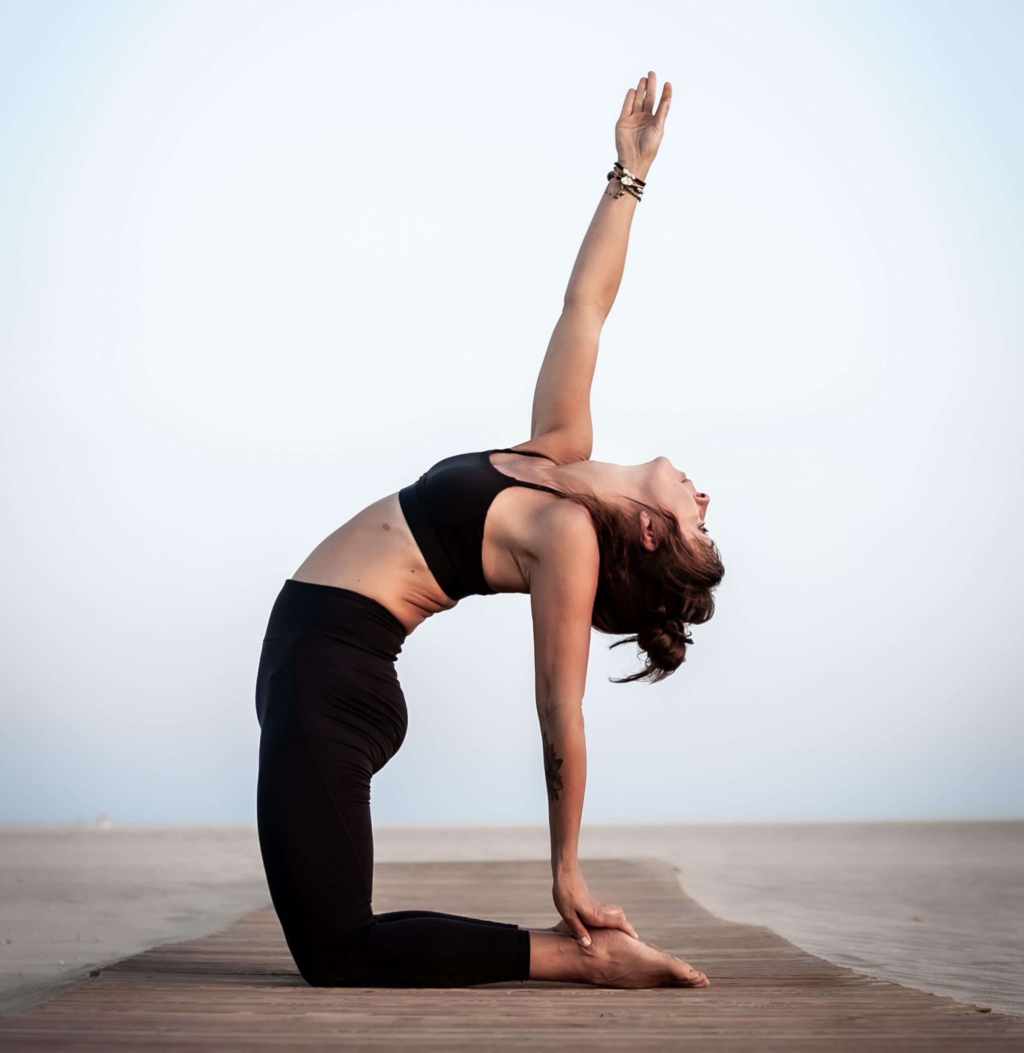 Lose weight by stretching in the morning सुबह की अच्छी आदतें जो वजन कम करती हैं