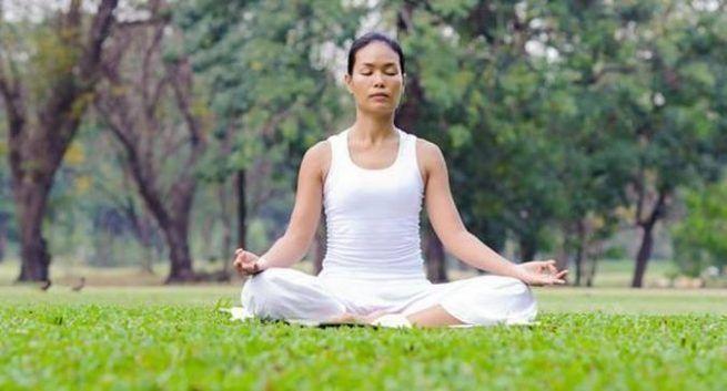 Sukhasana for mental peace and stress free life in hindi