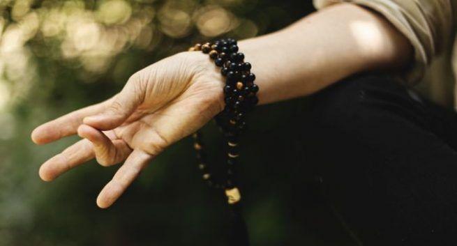 how to do kalesvara mudra benefits in Hindi